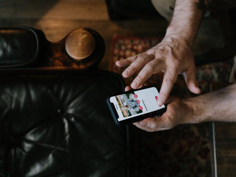 Zunder, Scharnier Tragen Event Spiele für Menschen Welches Treffen auf dem Apps